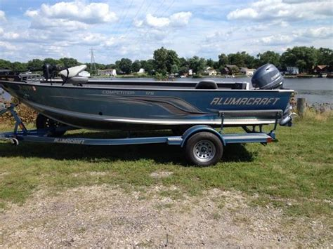 Alumacraft Boats For Sale Indiana by Used 2012 Alumacraft 17 Competitor Fishing Boat For Sale