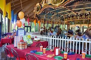Giggleberry Fair at Peddler's Village