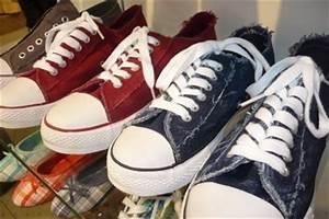 90er Mode Typisch : typisch f r die 90er mode so gelingt das outfit stilecht ~ Frokenaadalensverden.com Haus und Dekorationen