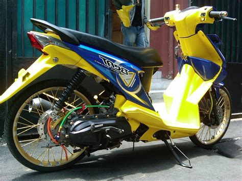 Foto Modifikasi Beat New by Kumpulan Variasi Aksesoris Motor Beat Modifikasi Yamah Nmax