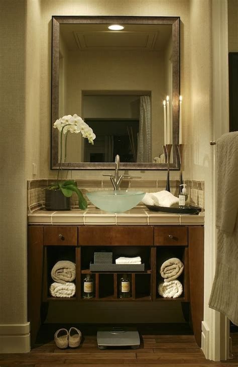 Bathroom Vanity Small by 1000 Ideas About Small Bathroom Vanities On