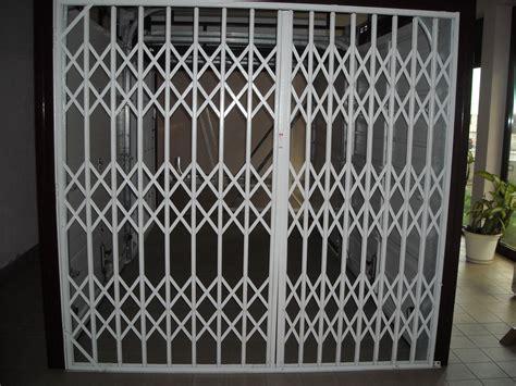 rideau de fer pour commerce devis gratuit de rideau m 233 tallique pour commerces 224 toulon portes de garages et rideaux