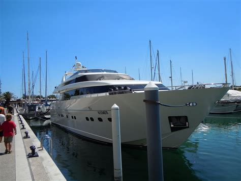 port de la grande motte panoramio photo of superbe yacht dans le port de la grande motte avant