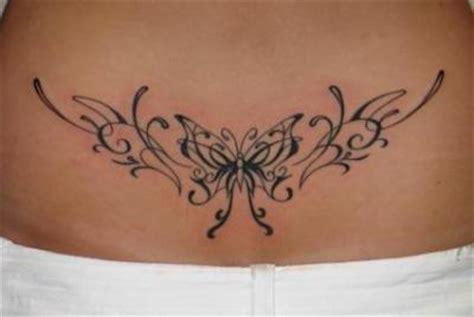 tatouage bas du dos modele de tatouage en bas du dos
