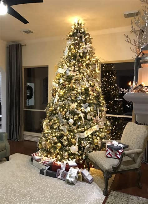 elegant  silver  gold christmas tree decorating ideas