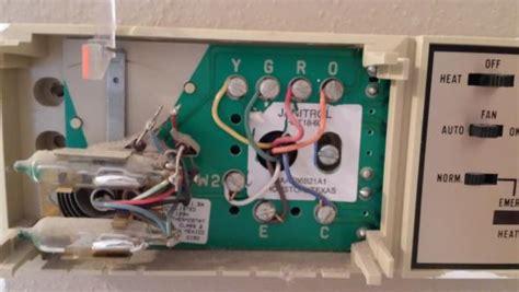 replacing  goodman janitrol hpt   thermostat page