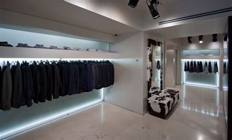 Mantovani Carate Brianza by Mantovani Carate Brianza Clothing Store In Carate