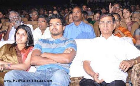 Vijay With His Family Photos