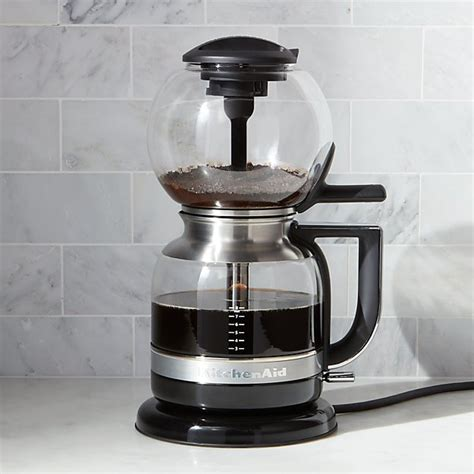 The vacuum pot, also called the syphon, is a beautiful and flashy way to make great coffee. KitchenAid ® Siphon Vacuum Coffee Maker | Crate and Barrel