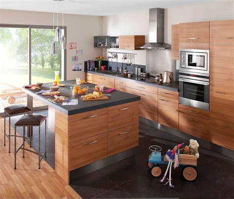 ilot de cuisine cuisine avec ilot central et table 2018 et table ilot