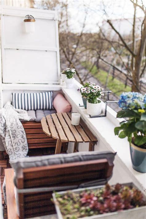 Kleiner Balkon Gestalten Ideen by Balkon Platzsparend Einrichten