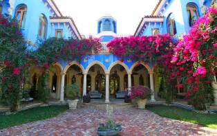 kitchen island decorative accessories villa in miami with dramatic moroccan architecture