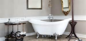 la baignoire pattes de lion pour une salle de bains