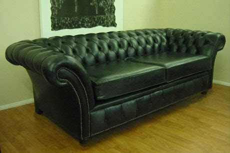 How To Clean A Leather Settee by Leather Settee Leather Chairs Home Bedroom Decor