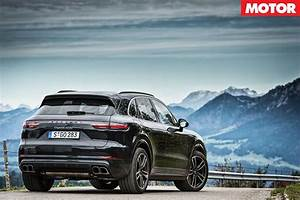 Porsche Cayenne Sport : 2018 porsche cayenne turbo review ~ Medecine-chirurgie-esthetiques.com Avis de Voitures