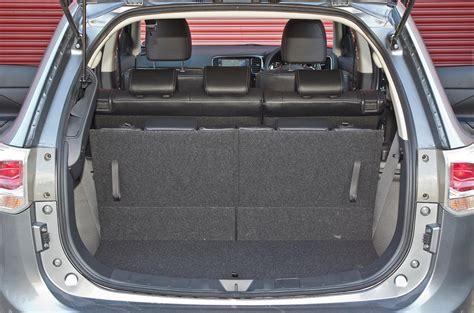 mitsubishi outlander   interior autocar