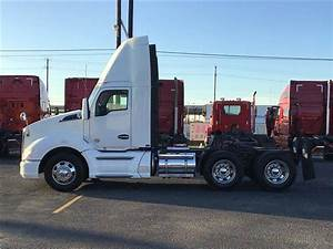 2014 Kenworth T680 Day Cab Truck