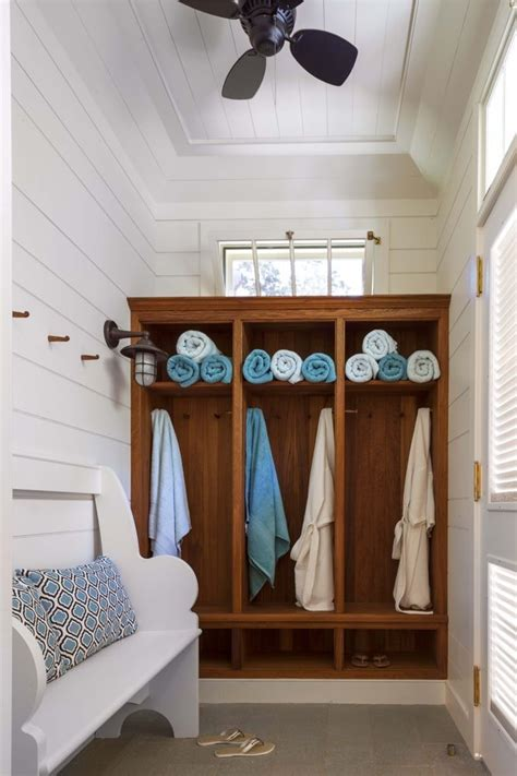 Chagne Decoration Ideas - pool house changing room b murray architect