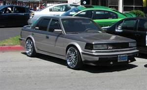 1987 Nissan Maxima - Pictures