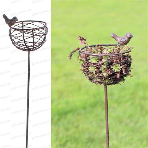mangeoire a oiseau mangeoire nid oiseau en fonte et fil d acier oiseaux du