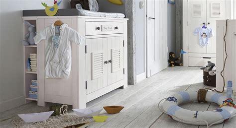 Weiße Wickelkommode Aus Massivholz In Modernem Design