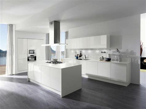 cuisine uip moderne cuisine blanche laquée 99 exemples modernes et élégants