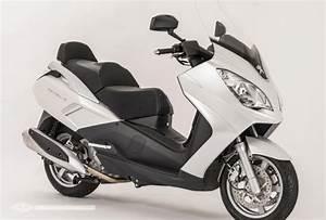 Permis Scooter 500 : pr sentation du maxi scooter peugeot scooters satelis ii 400 ~ Medecine-chirurgie-esthetiques.com Avis de Voitures