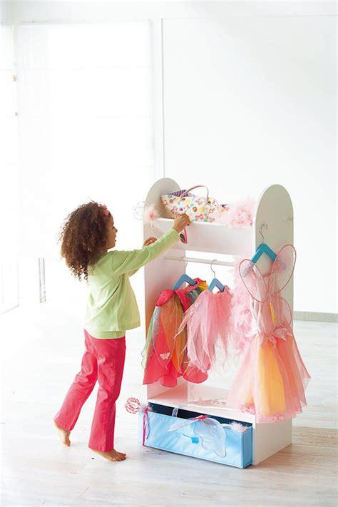 kinder garderobe von imaginarium auf decode