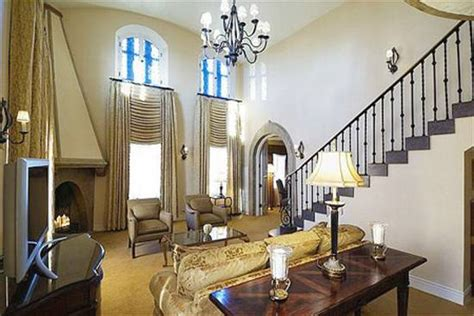 fit   king  haute  presidential suites  chicago