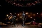 Kane Brown Sings 'Three Wooden Crosses' w/ Randy Travis ...