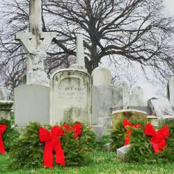 the cemetery traveler by ed snyder grave decorations christmas in the cemetery