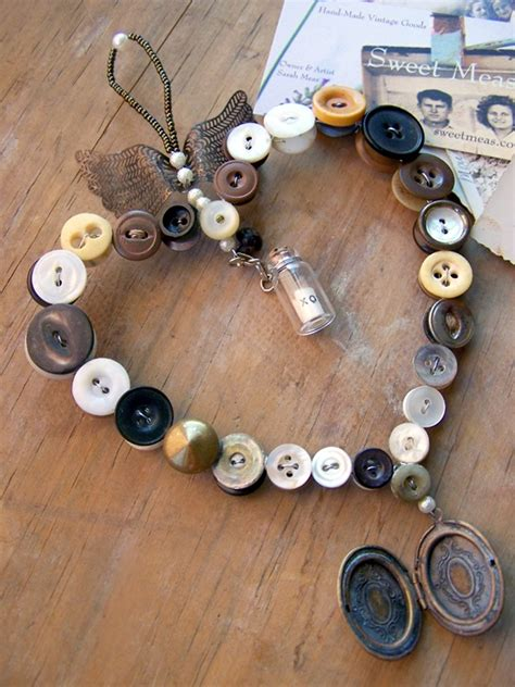 buttons craft ideas 40 cool button craft projects for 2016 bored 1198