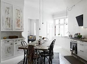 Pendelleuchten Esstisch Design : pendelleuchten mit schlichtem design erobern den markt ~ Michelbontemps.com Haus und Dekorationen