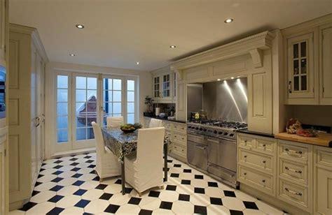 cuisine carrelage noir et blanc carrelage cuisine en noir et blanc 22 intérieurs inspirants