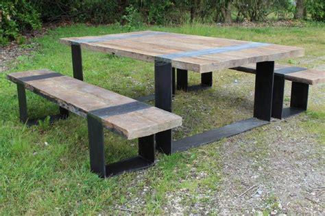 table bois pied fer forge table avec bancs en vieux chene et pieds fer