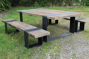 Table avec bancs en vieux chene et pieds fer patine brossee for Charming tonnelle de jardin en fer forge 12 table avec bancs en vieux chene et pieds fer patine brossee