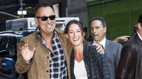 bruce springsteen brings daughter jessica  late night