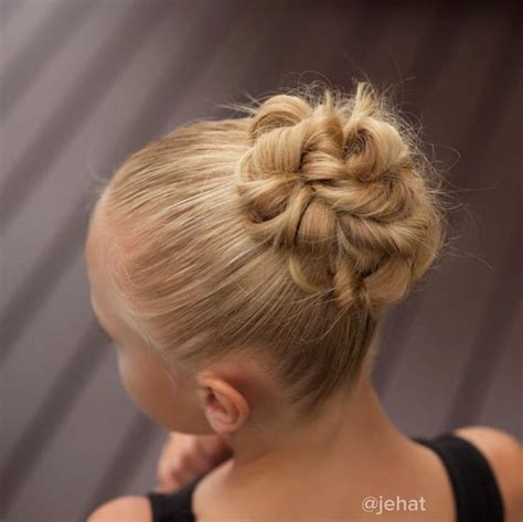 Ballet Hairstyles For by 25 Best Ideas About Ballet Buns On