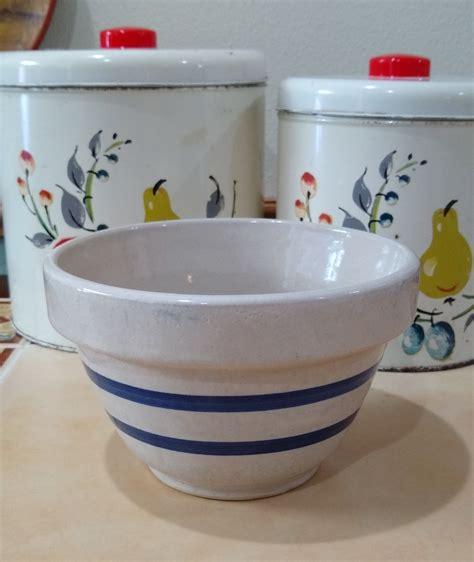 roseville pottery   bowl rr p  usa putty color   blue stripes vintage