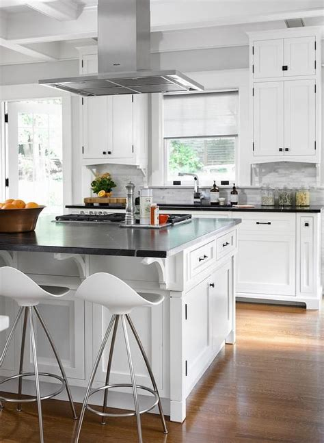 Kitchen Island With Vent by Gourmet Kitchen Features A Stainless Steel Vent