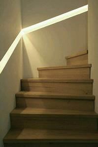 Indirekte Beleuchtung Treppe : handlauf beleuchtet diele flur treppe in 2019 treppe haus treppenbeleuchtung und ~ Pilothousefishingboats.com Haus und Dekorationen