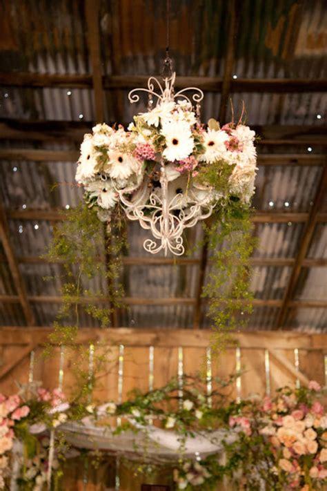stunning wedding chandelier ideas