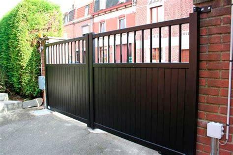 model pagar rumah minimalis besi  kayu desain apik