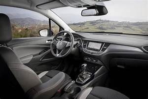 Avis Opel Crossland X : essai opel crossland x 1 2 turbo notre avis sur le nouveau crossland photo 25 l 39 argus ~ Medecine-chirurgie-esthetiques.com Avis de Voitures