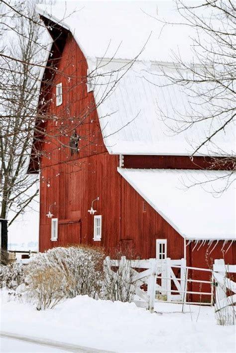 beautiful rustic  classic red barn inspirations