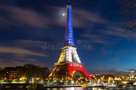 la torre eiffel en la noche paris francia imagen