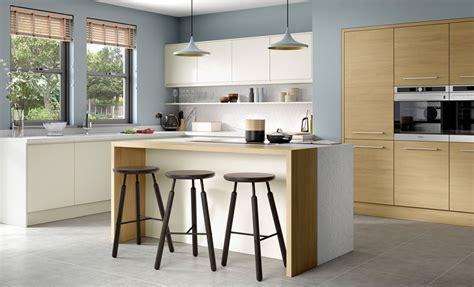 contemporary oak kitchen handleless kitchen doors strada matte porcelain uform 2538