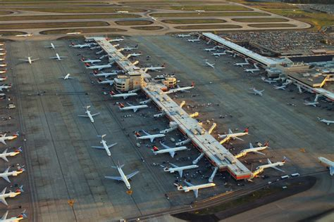 busiest airports   united states