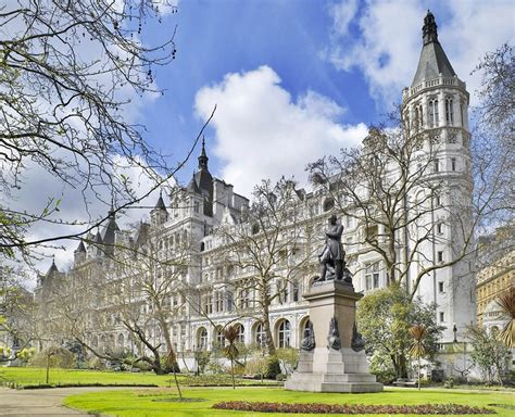 Spend A Perfect Winter Weekend At The Royal Horseguards