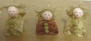 weihnachtsdeko basteln weihnachtsdeko aus bändern handarbeitsstube hermi